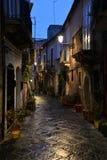 西拉库萨,西西里岛,意大利 市中心正方形的夜视图 免版税库存图片