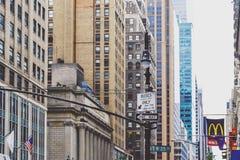 西方第35条街道的细节在曼哈顿纽约 免版税图库摄影