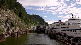 西温哥华, BC,加拿大- 2018年5月15日:从BC轮渡相接的甲板的时间间隔录影在马掌海湾的 股票视频