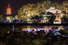 西湖美好的夜视图 免版税库存图片