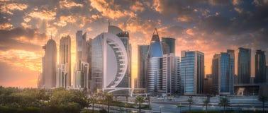 西湾和多哈市中心,卡塔尔地平线  免版税库存照片