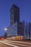 西点军校,与141 6米最高的住宅塔在提耳堡大学, Netherlandswn 库存图片