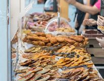 西班牙人典型的自创咸酥皮点心 库存照片