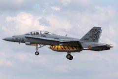 西班牙人空军队Ejercito del亚耳麦克当诺道格拉斯公司EF-18B大黄蜂多角色战机CE15-01 库存照片