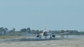 西班牙国家航空喷气机接近的着陆 影视素材