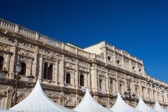 西班牙城市塞维利亚的城镇厅看法  库存照片