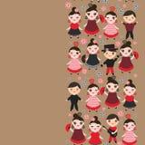 西班牙妇女佛拉明柯舞曲舞蹈家 与桃红色面颊和闪光的Kawaii逗人喜爱的面孔注视 吉普赛女孩,红色黑礼服,圆点织品, 免版税库存图片