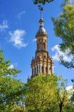 西班牙方形塔 免版税图库摄影