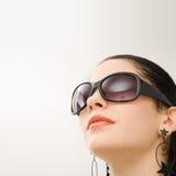 西班牙模型太阳镜 免版税库存图片