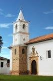 西班牙殖民地大教堂在Villa de莱瓦 图库摄影
