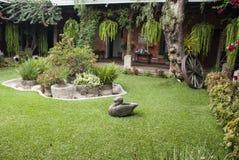 西班牙殖民地庭院 图库摄影