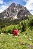 西班牙比利牛斯山的美丽的Aiguestortes i埃斯塔尼de桑特毛里奇国立公园在加泰罗尼亚 免版税库存图片