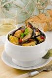 西班牙烹调。在调味汁的淡菜。Mejillones la Marinera。 库存照片