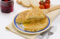 西班牙烹调。西班牙煎蛋。玉米粉薄烙饼de patatas。 免版税库存照片