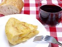 西班牙煎蛋的部分。 土豆煎蛋卷。 库存图片
