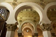 西班牙犹太教堂内部 免版税库存照片