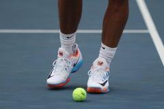 西班牙的全垒打冠军拉斐尔・拿度穿习惯耐克网球鞋在美国公开赛的实践期间2016年 库存照片