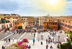 西班牙的广场的游人在罗马 免版税库存照片