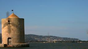 西班牙磨房在奥尔贝泰洛盐水湖 4K 股票录像