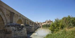 西班牙科多巴桥梁大教堂清真寺 图库摄影