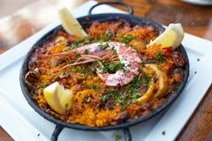 西班牙肉菜饭用海鲜 免版税库存图片