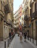 西班牙语人聚居的区域Gotico老街道在巴塞罗那,卡塔龙尼亚 免版税库存图片