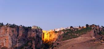 西班牙语小山的峭壁 免版税库存照片