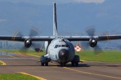 西班牙语空军队c 130 免版税库存照片