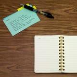 西班牙语;学会在笔记本的新的语言文字词 免版税库存照片