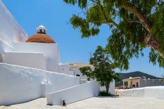 西班牙赤土陶器半球形的教会 库存照片