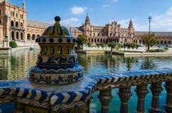 西班牙, Plaza de Espa的广场的透雕细工陶瓷篱芭 图库摄影
