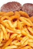 西班牙组合盛肉盘用汉堡、炸丸子、calamares和fr 库存图片