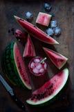 西瓜冷的饮料和新鲜的西瓜 库存照片