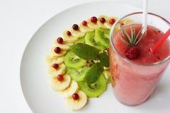 西瓜圆滑的人香蕉和蔓越桔饮食  免版税图库摄影