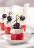 西瓜希脂乳和黑莓开胃菜 免版税图库摄影