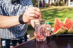 西瓜鸡尾酒在夏天 免版税图库摄影