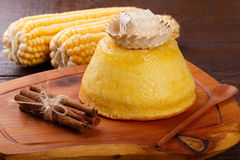 巴西甜点心玉米蛋糕 免版税库存照片