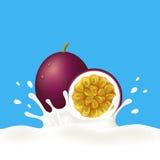 西番莲果和牛奶或者酸奶 免版税库存图片