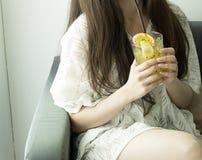 西番莲果汁 免版税库存图片