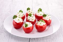西红柿原料用乳酪 免版税库存图片