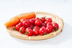 西红柿和红萝卜 库存图片