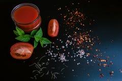 西红柿酱和成份 免版税库存图片