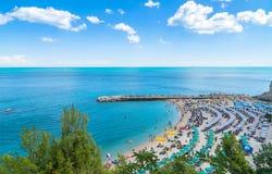 西罗洛海滩在Conero国家公园,意大利 免版税库存照片