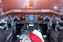 巴西航空工业公司175飞机驾驶舱  飞机座舱 库存图片
