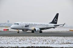 巴西航空工业公司ERJ 175 库存图片