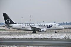 巴西航空工业公司ERJ 175 库存照片