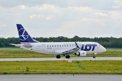 巴西航空工业公司ERJ 170 免版税库存照片
