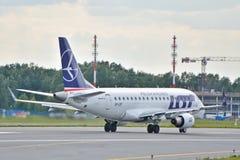 巴西航空工业公司ERJ 170 免版税图库摄影