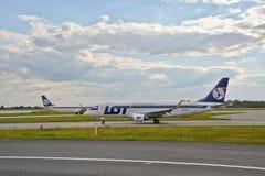 巴西航空工业公司ERJ 170 库存照片