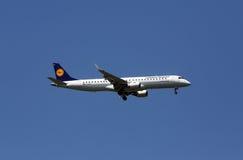 巴西航空工业公司ERJ-195 免版税库存图片